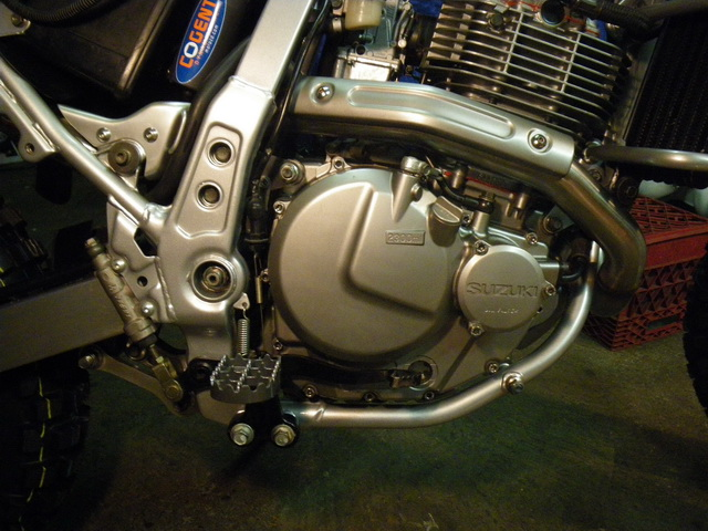distech s dr650 rebuild page 7 adventure rider exhaust guards reinstalled straighten the brake lever and remounted new ims foot peg